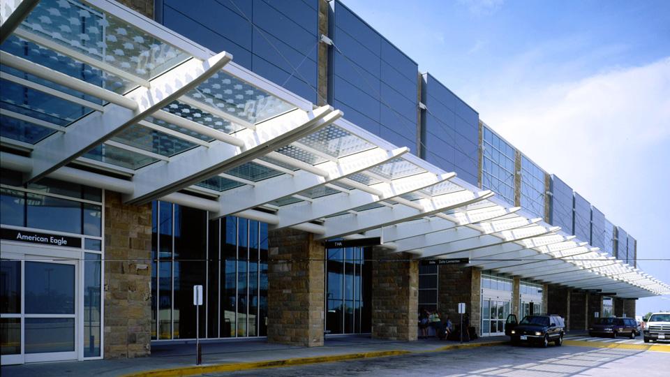 MCGHEE TYSON AIRPORT