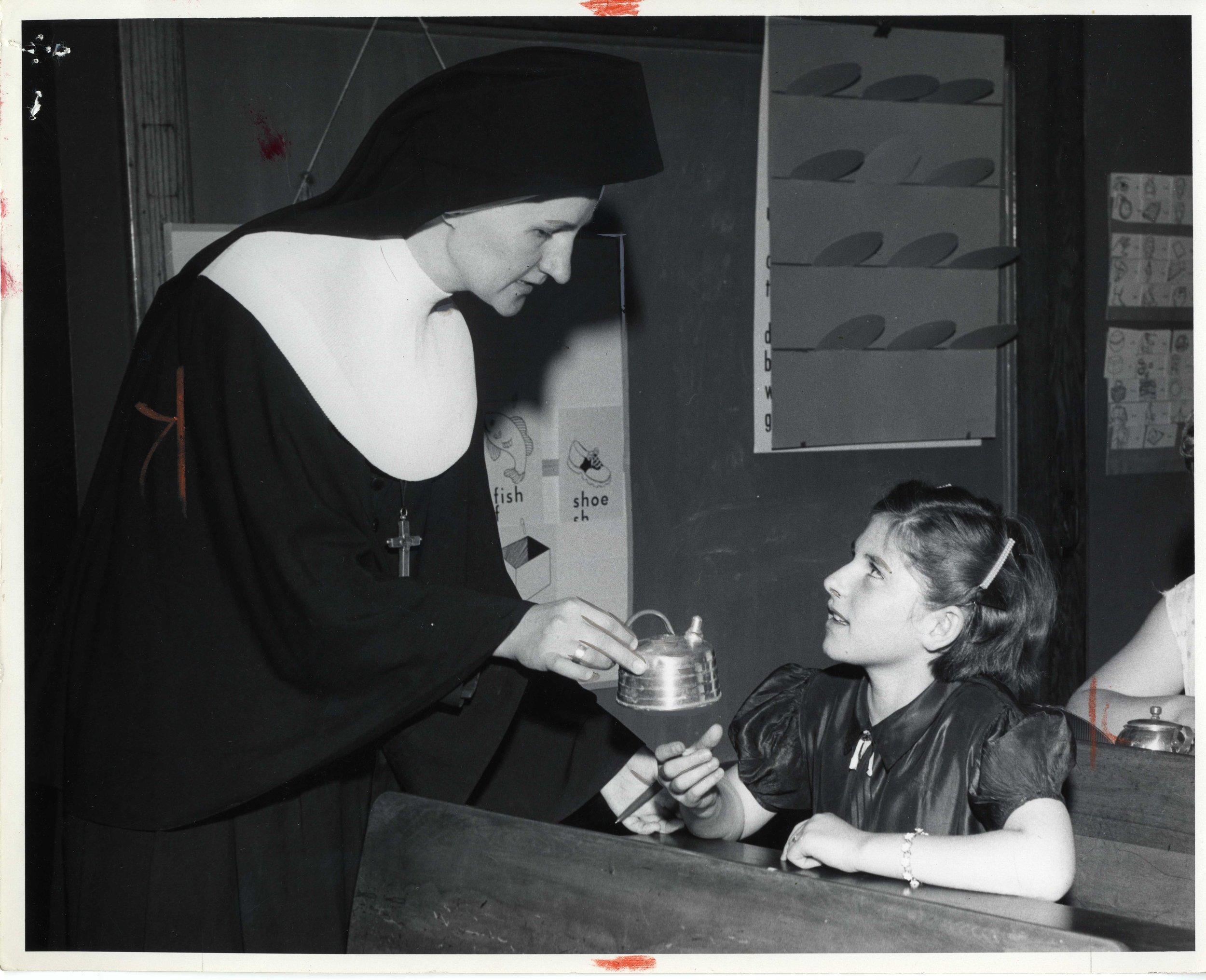 4-A   CatholicCharities_ESL-001.jpg