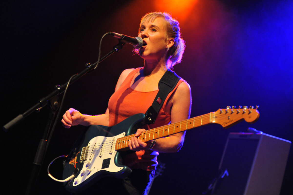 Kristin Hersh performing in London with Throwing Muses. Photo published in Rolling Stone. Photo Credit: C Brandon/Redferns