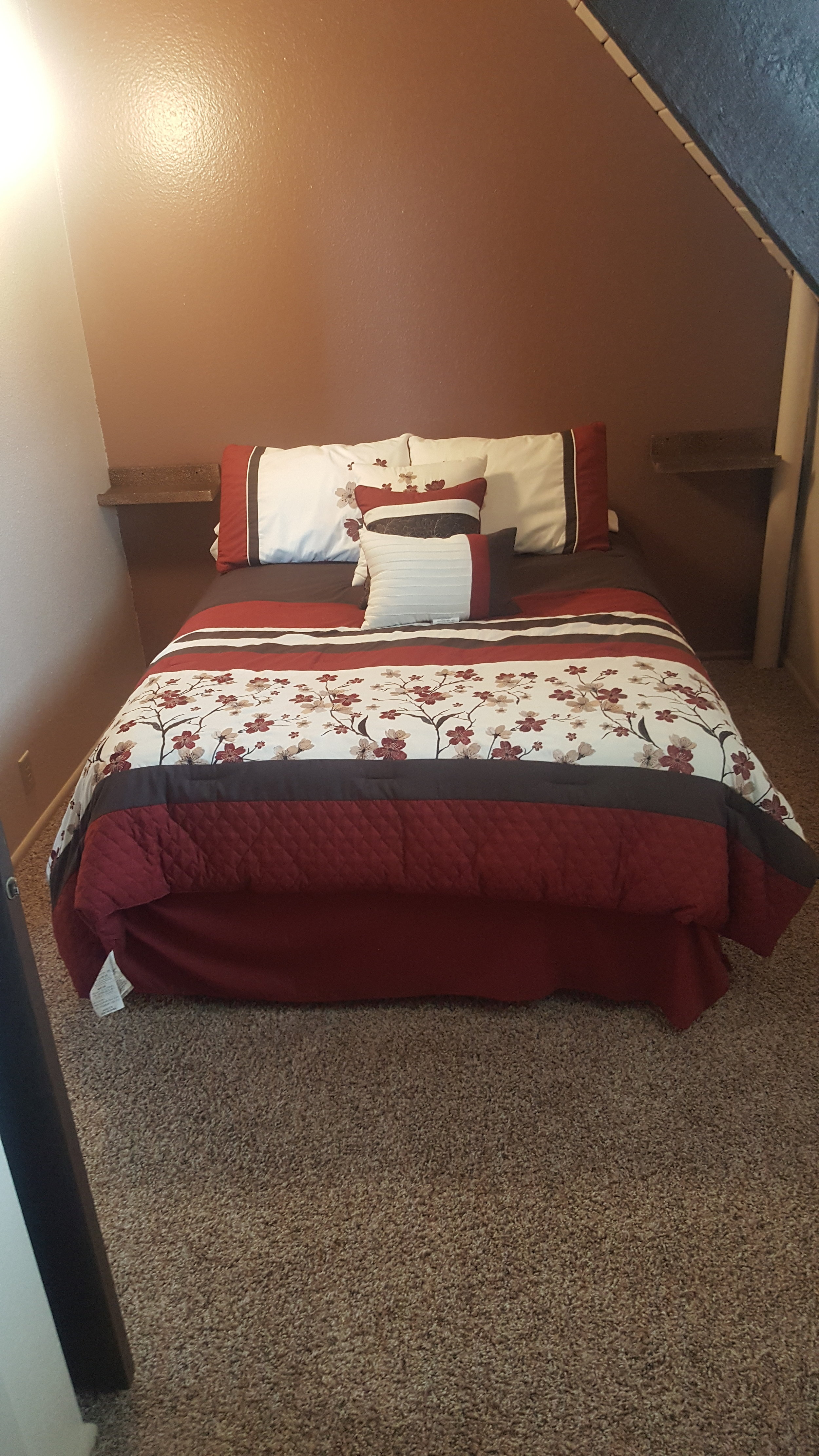 2nd Bedroom Upstairs-Full