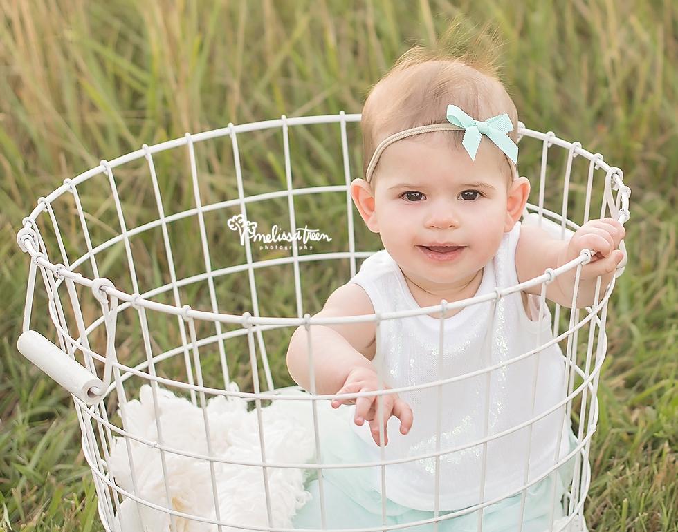 6 month baby ideas greensbroo photographer milestone portrait burlington nc.jpg