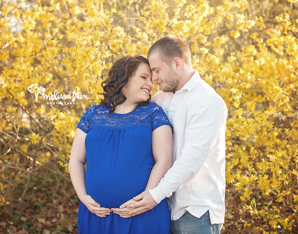 couple-maternity-photo-yellow-flowers-sunset-greensboro-photographer-burlington-nc.jpg