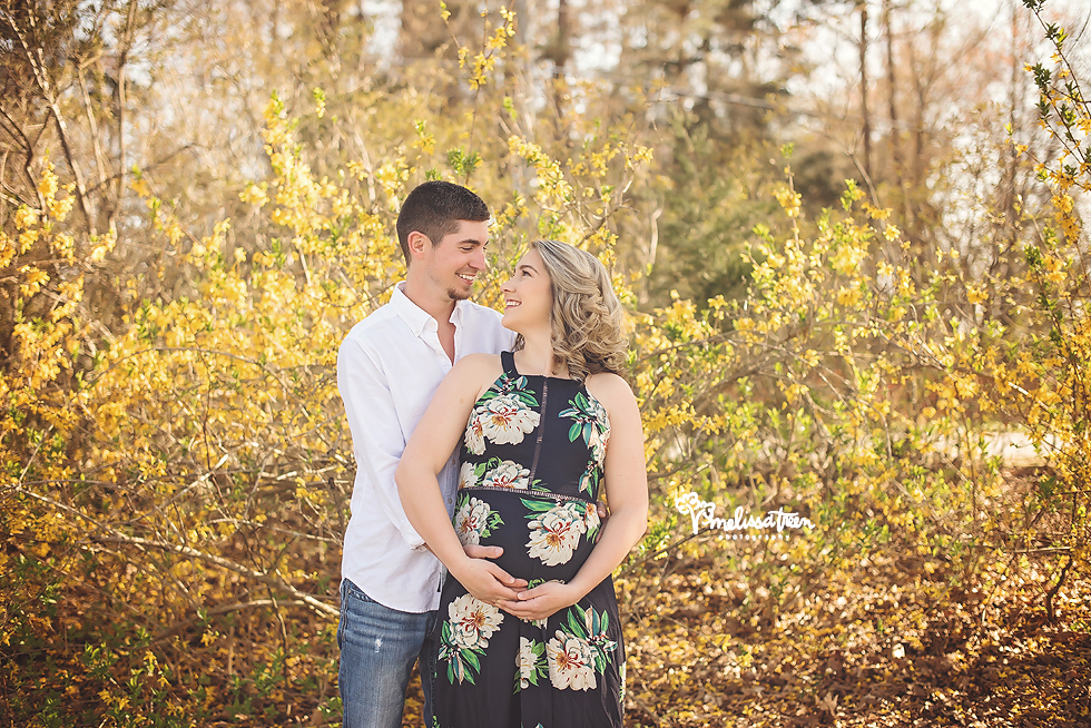 happy-expecting-couple-thomasville-maternity-photographer-reidsville-nc.jpg