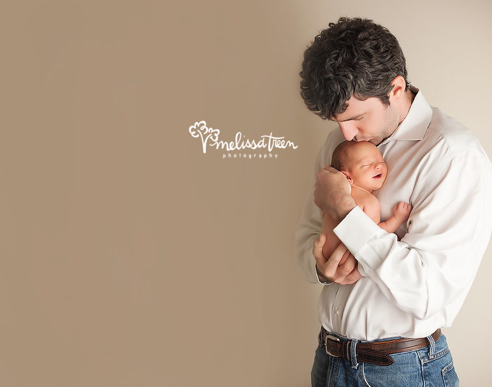 dad and baby newborn photogrpahy greensboro nc high point family photos.jpg