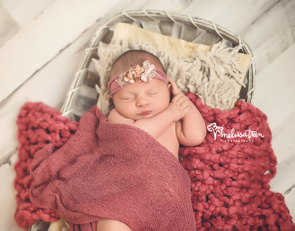 baby-girl-poses-durham-newborn-photography-hillsborough-mebane.jpg
