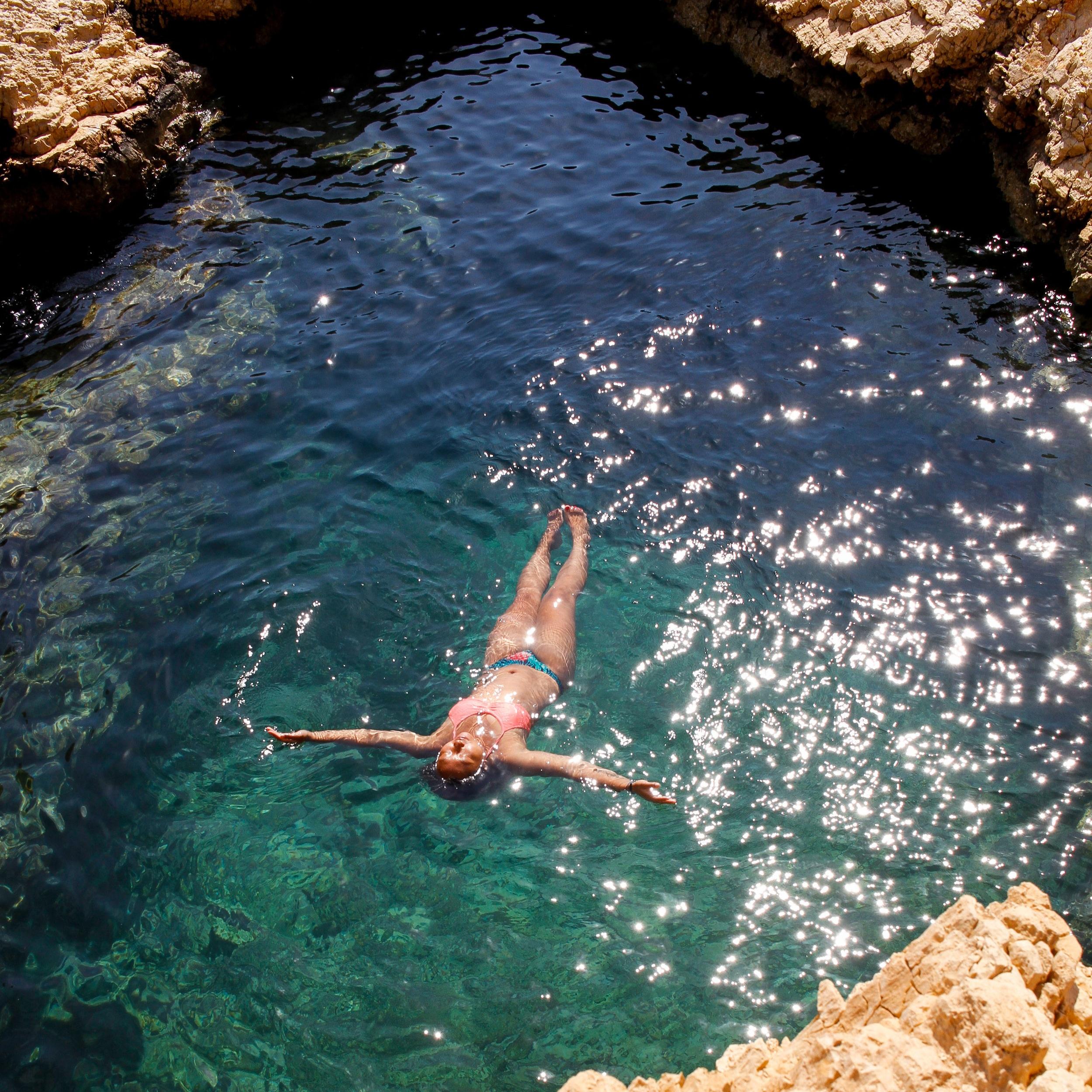 Diving-for-Treasure-3.jpg