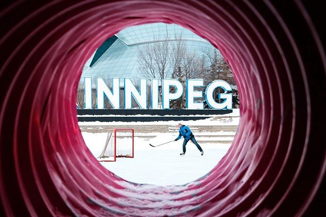 It's a -41°C wind chill kind of day here in Winnipeg. Hope everyone is staying nice and toasty on this last day of 2018! 📸 for @winnipegfreepress  #winnipeg #winter #skate #hockey #cold #photojournalism  #onassignment  #fujifilm