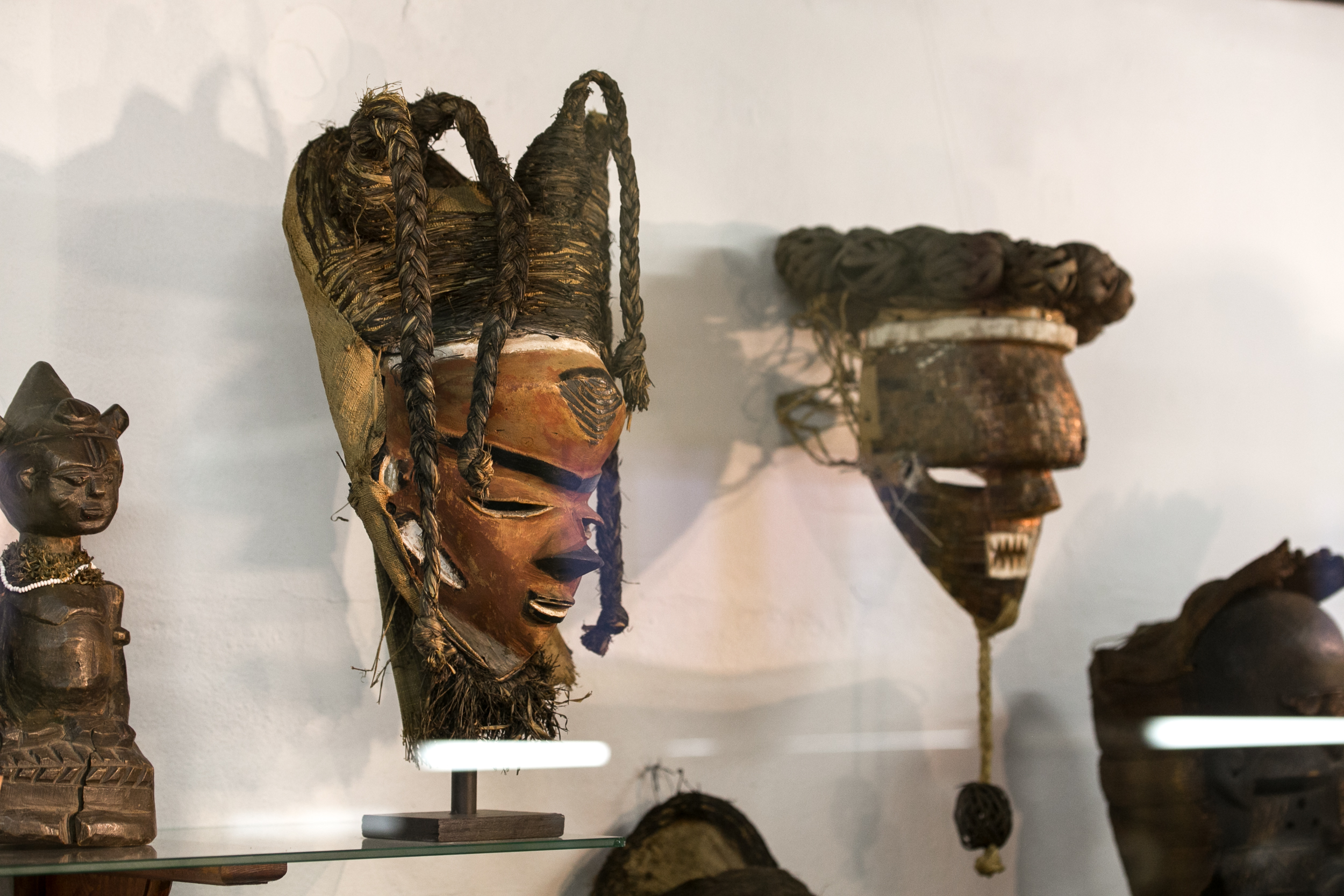 musee-africain-namur-belgique-art-africain-galerie-lz-arts-collection-masques-statues-congo-5.jpg