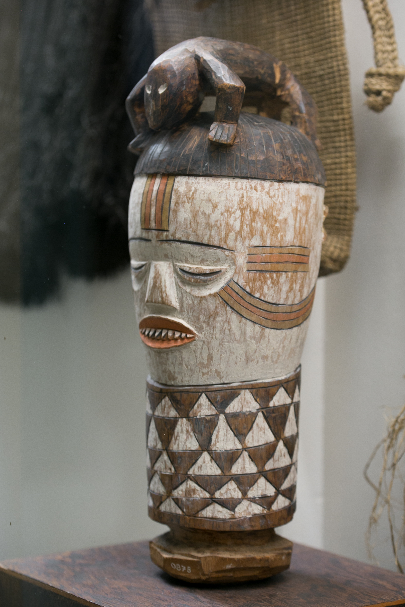 musee-africain-namur-belgique-art-africain-galerie-lz-arts-collection-masques-statues-congo-8.jpg