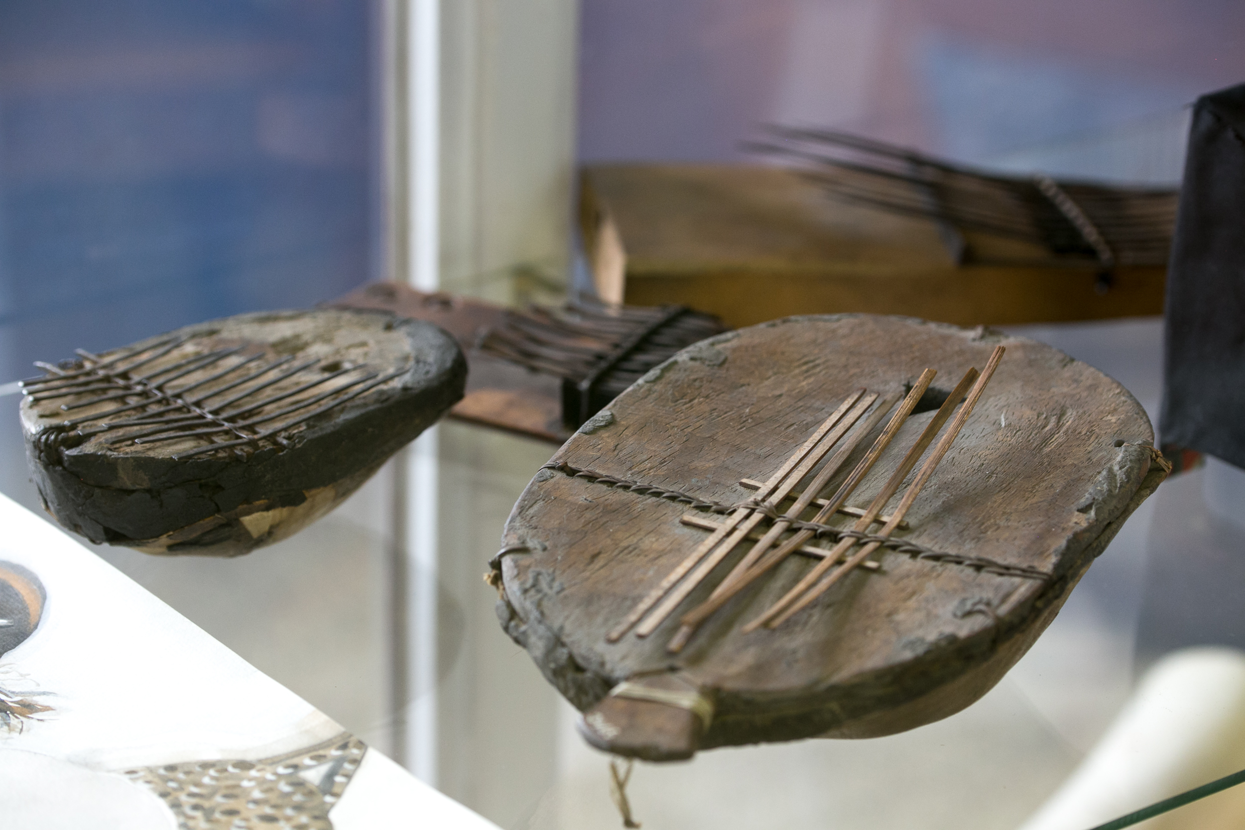 musee-africain-namur-belgique-art-africain-galerie-lz-arts-sanza-instrument-musique-1.jpg