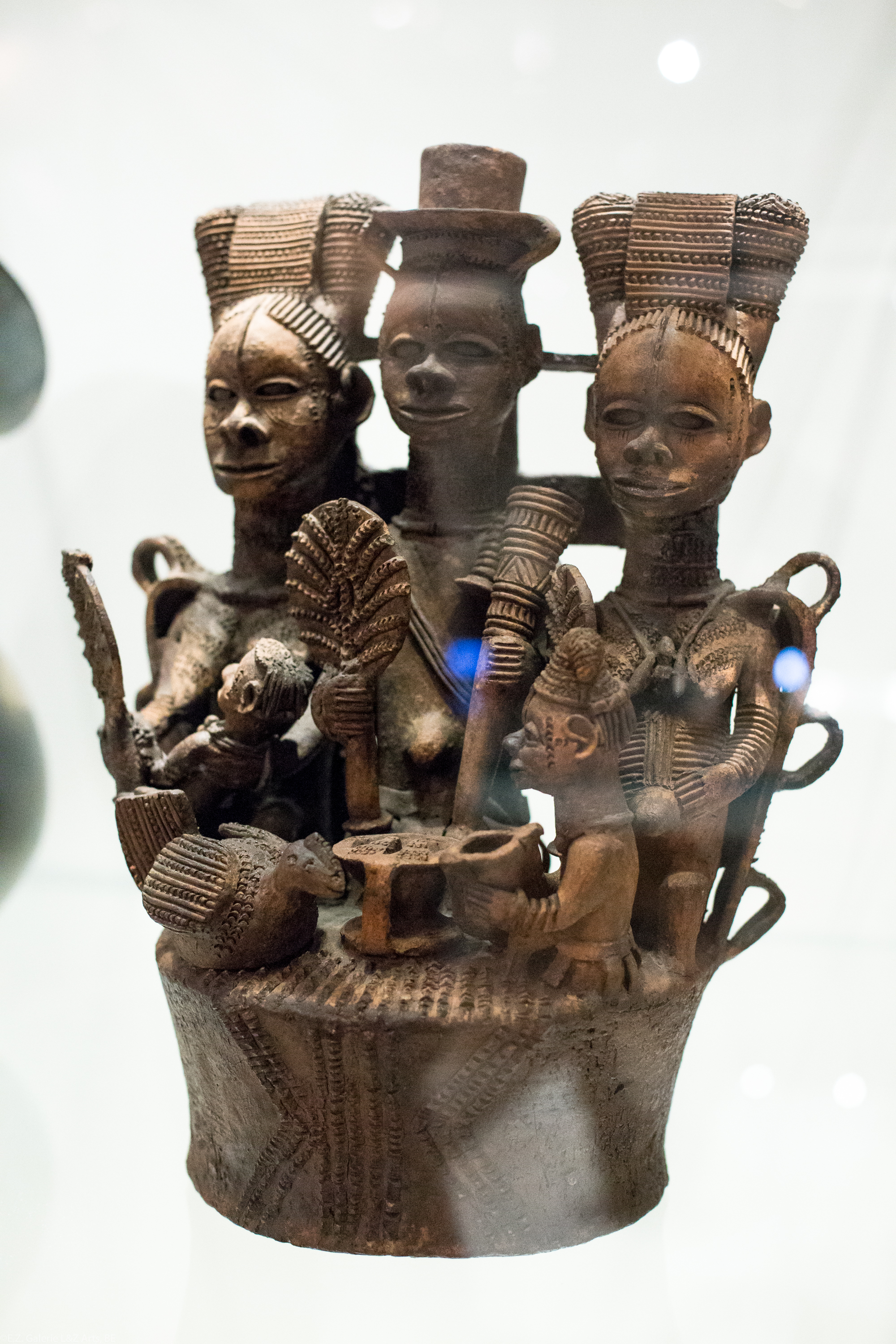art-tribal-africain-londres-british-museum-sainsbury-galleries-bronze-benin-statue-masque-ivoire-africa-london-bini-edo-galerie-lz-arts-belgique-france-6.jpg