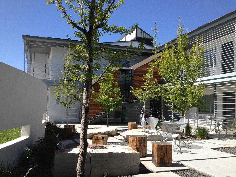 CTY-Studio-Modern-Hotel-courtyard1.jpg