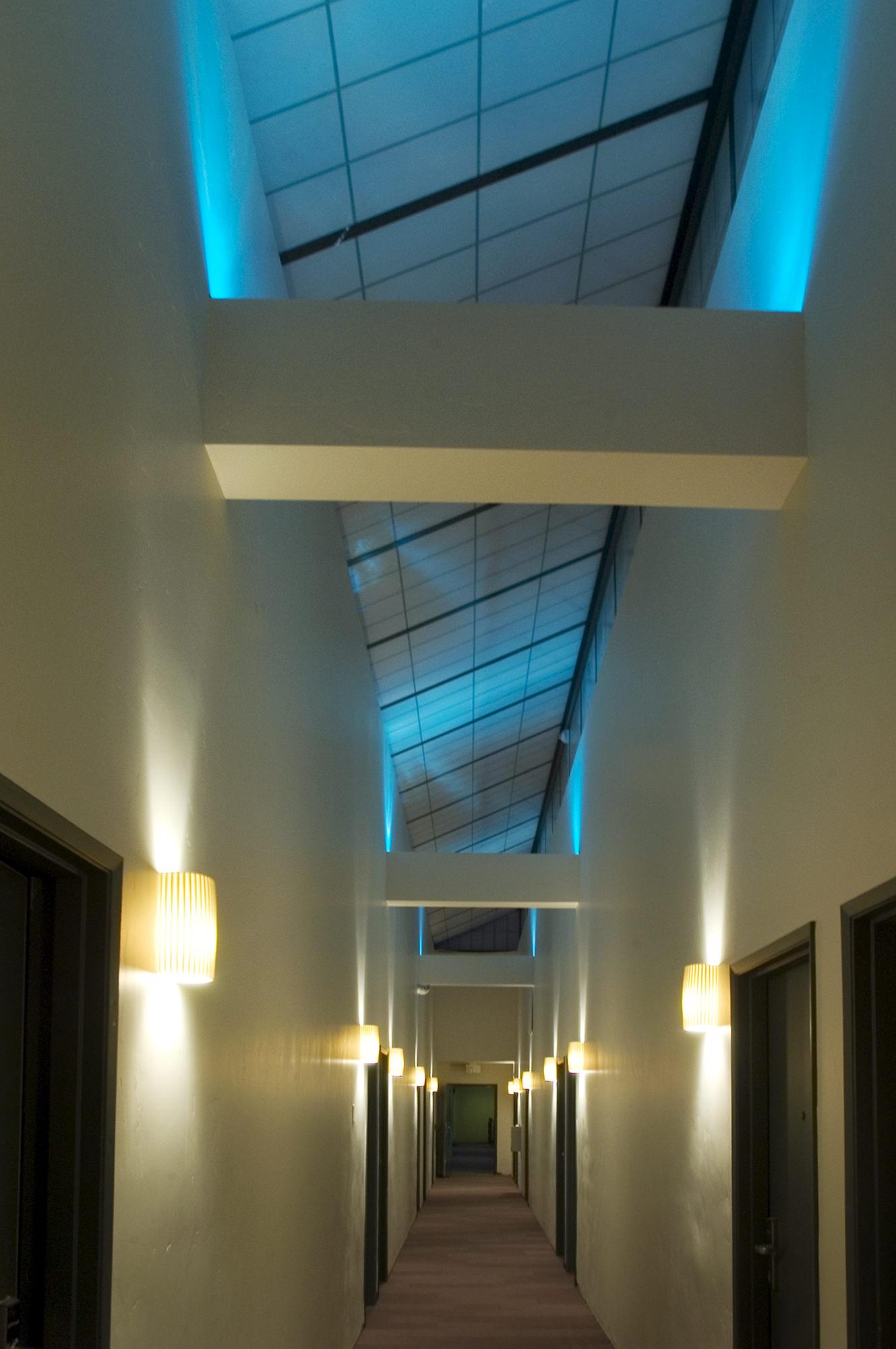 CTY-Studio-Modern-Hotel-hallway.jpg