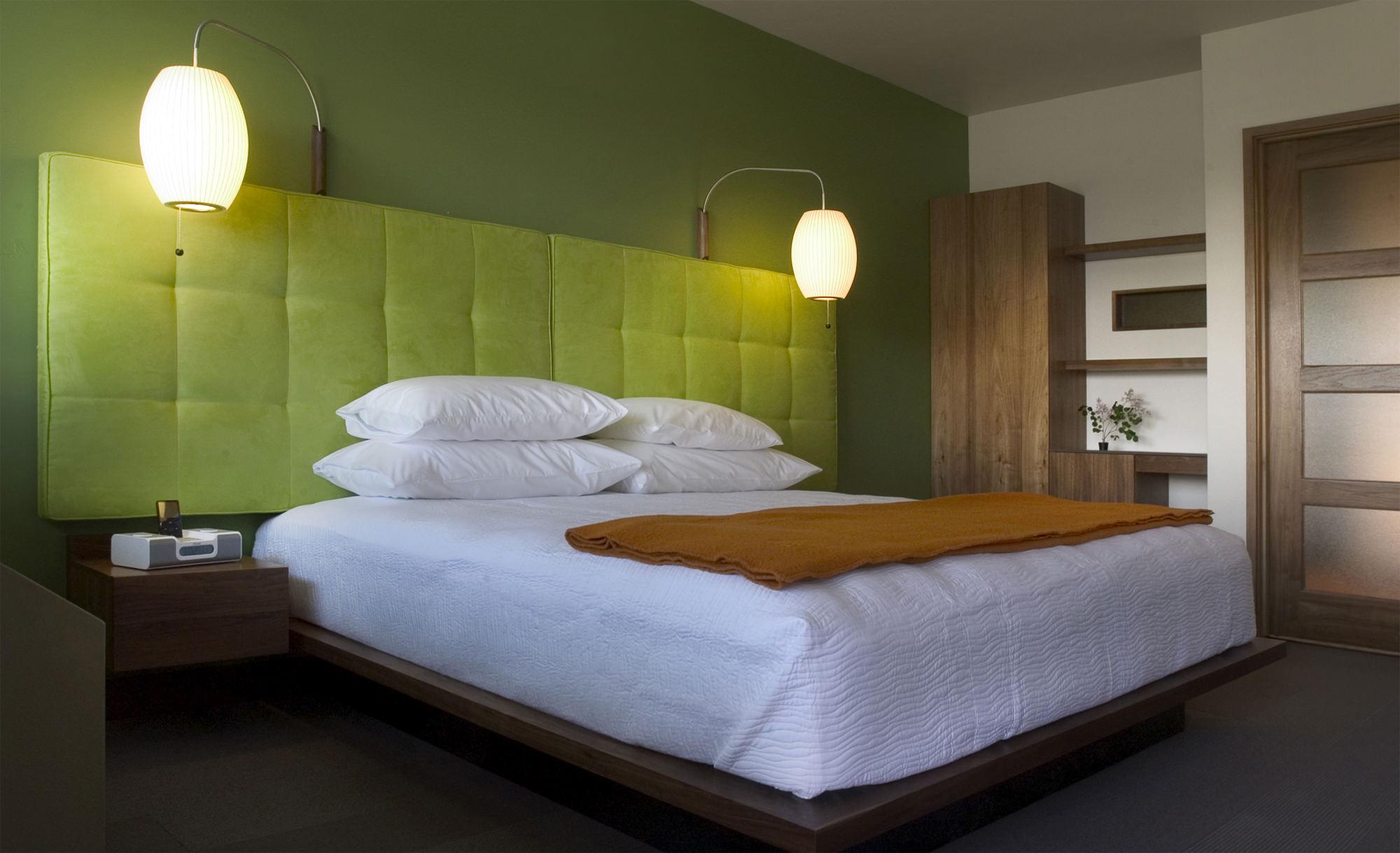 CTY-Studio-Modern-Hotel-bedroom1.jpg