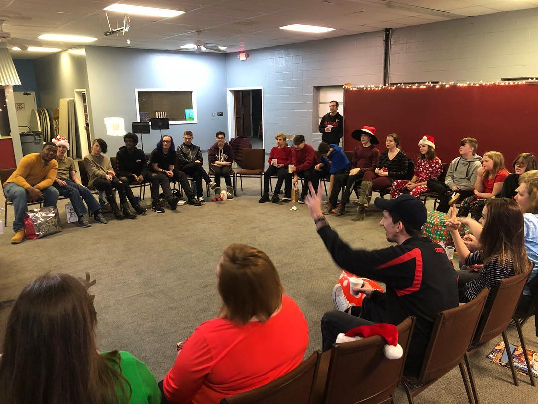 youth christmas party 18.jpg