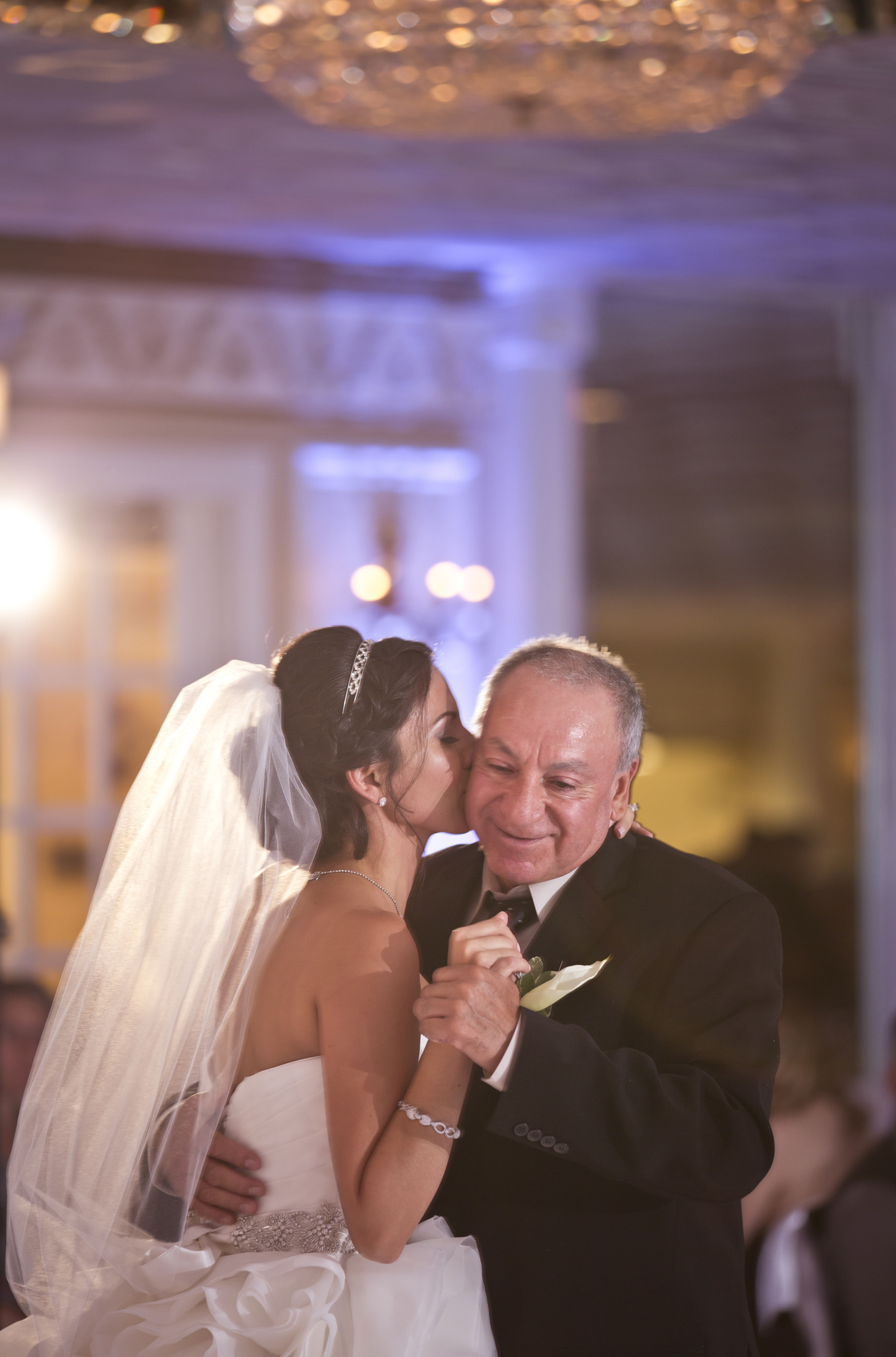 chateau_bu_sche_chicago_wedding_photographer_videographer08.jpg