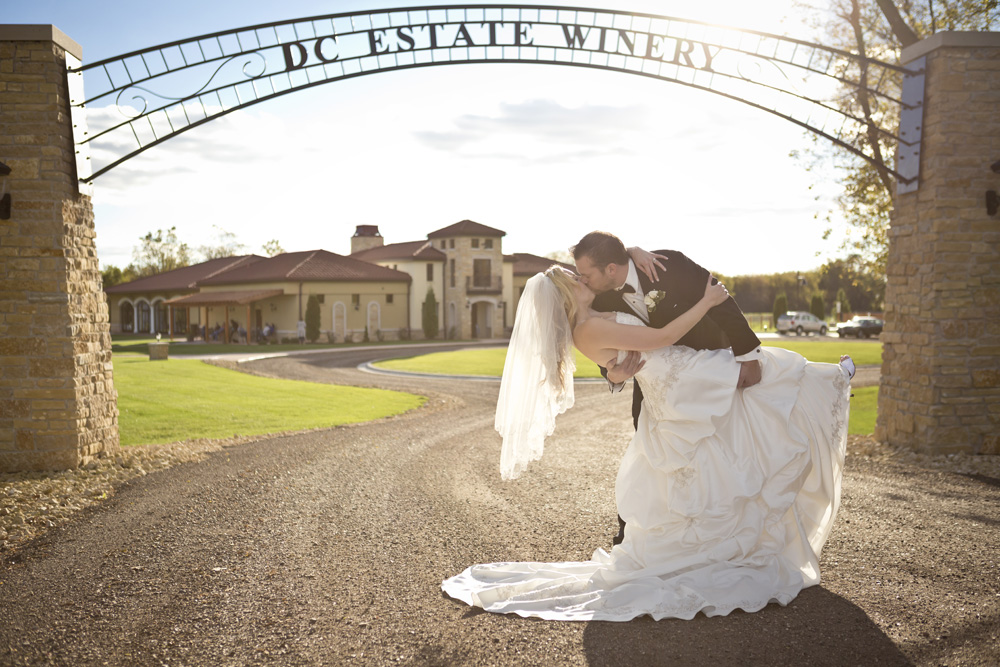 DC Estate Winery Wedding Photogrpaher Rockford_Beloit_Chicago007.jpg