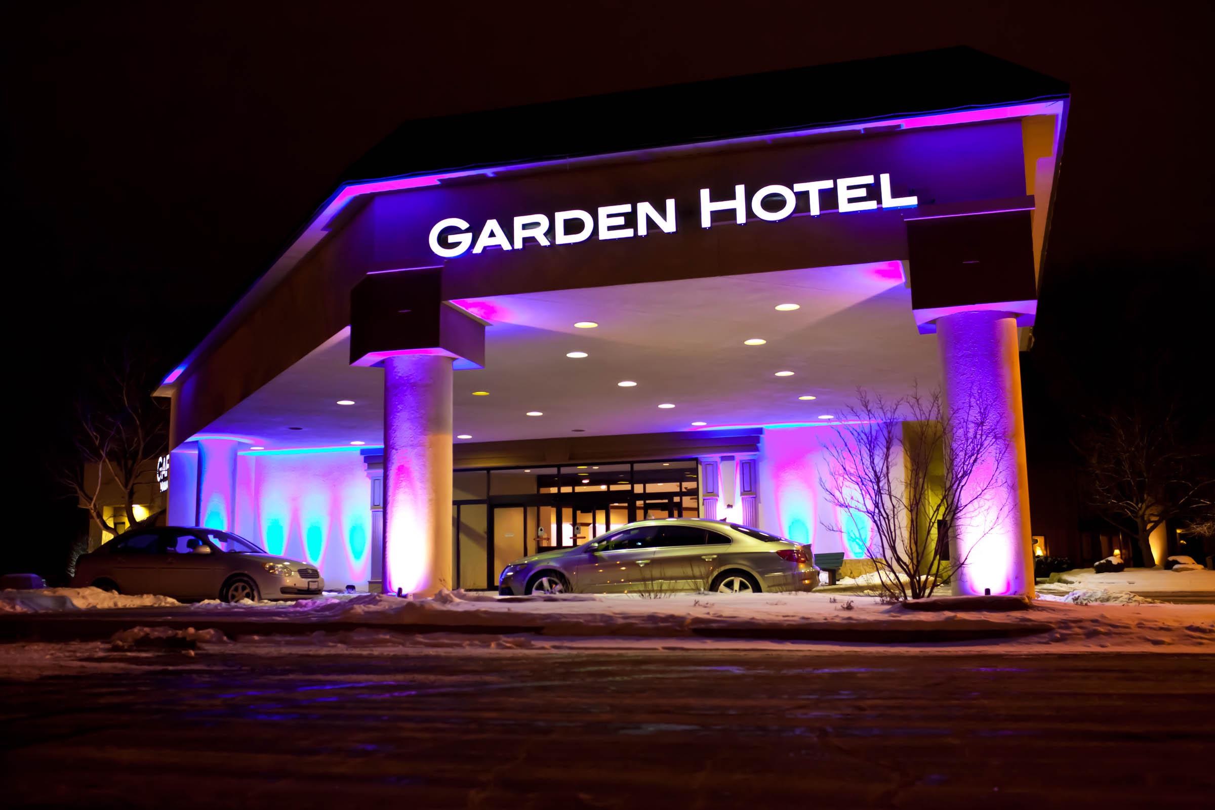 garden_hotel_grand_opening_002.jpg