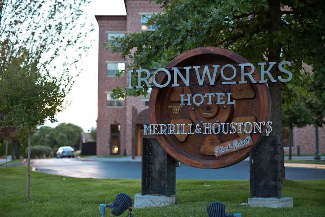 Ironworks Hotel Merrill Houstons Steakjoint Peer Canvas   052LR.jpg