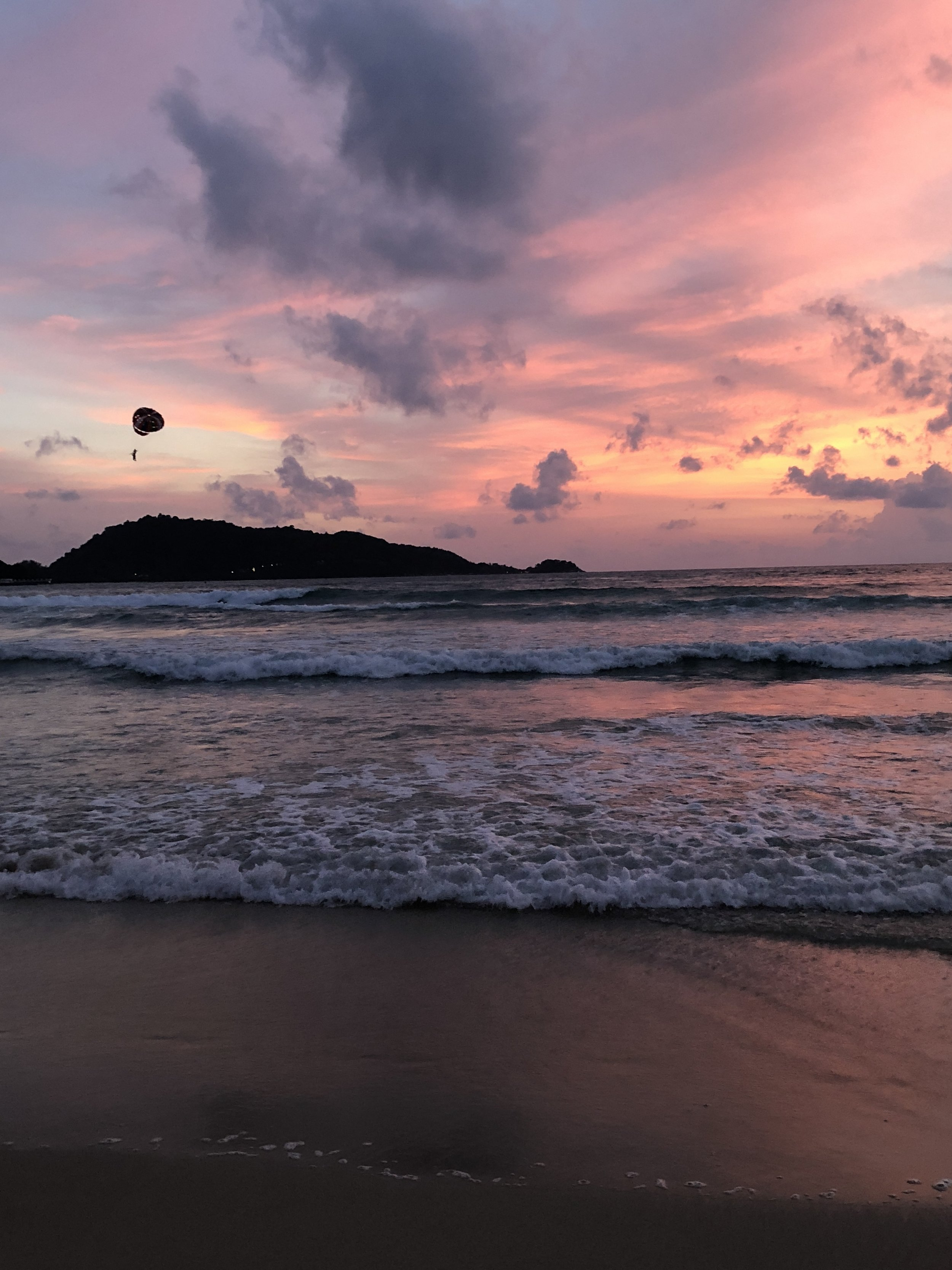 This was the best sunset of our trip and I definitely forgot my camera at the hostel. Rookie.