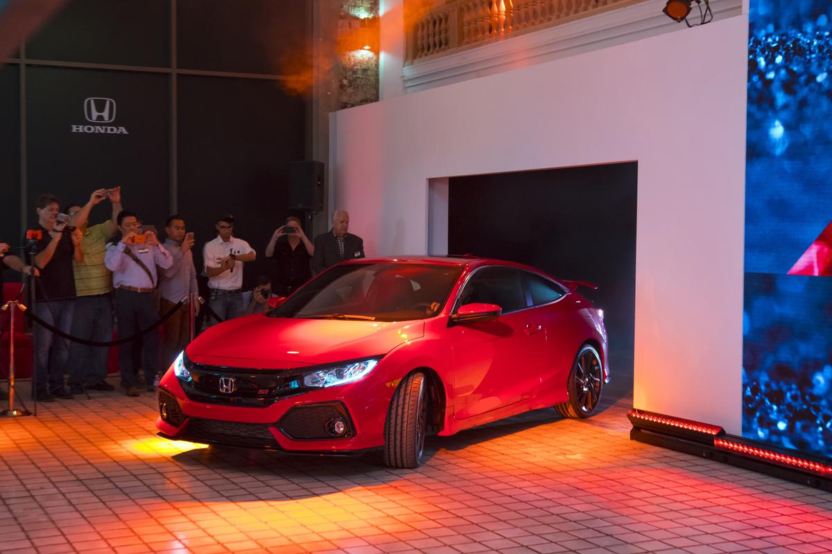 Honda_Civic_Si_Prototype_05.jpg
