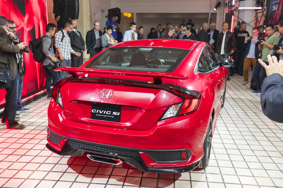 Honda_Civic_Si_Prototype_10.jpg