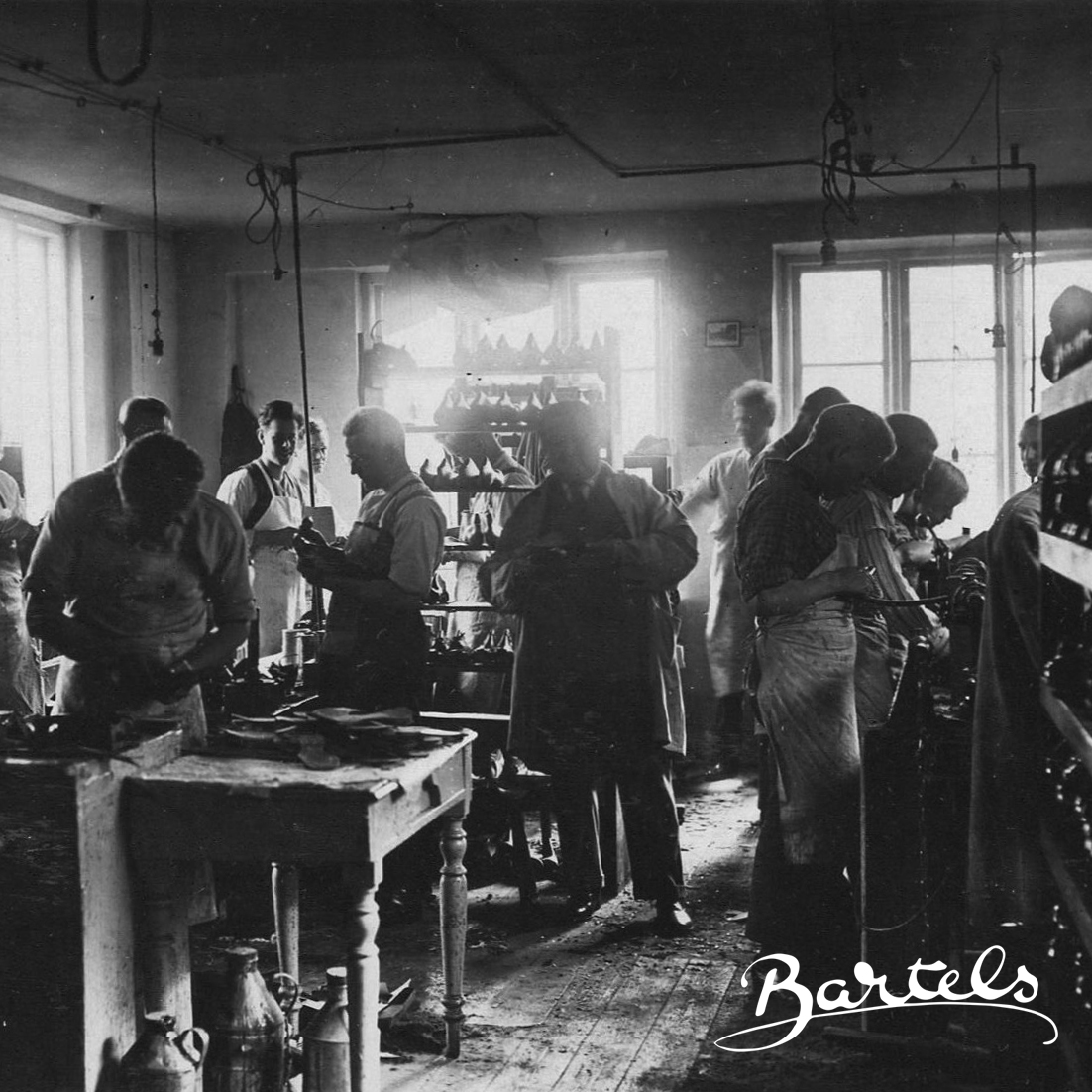 1920 - The Danish shoe brand, Bartels since 1920, was first established under the name 'Bartels Damernes Sko' by Louie and Emma Bartels. During the WWI, Emma and Louie moved from Germany to Denmark with the dream of starting up their own shoe factory founded on high quality, comfort, and impeccable craftsmanship, all wrapped in beautiful designs. In their apartment in Sommerstedsgade in Copenhagen, Bartels since 1920 took its first steps onto the timeless designs that still prevail today.