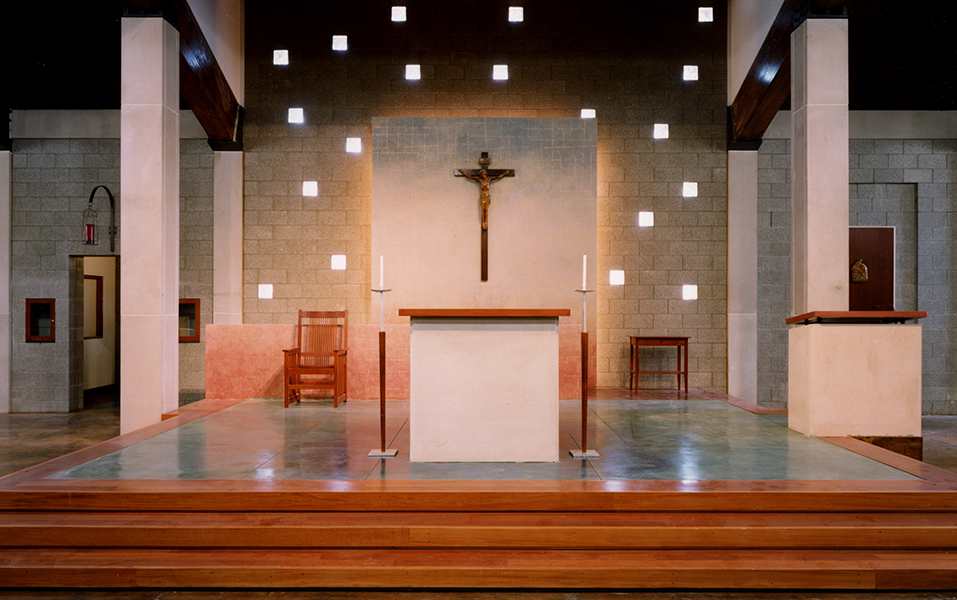 saint-paul-altar.jpeg