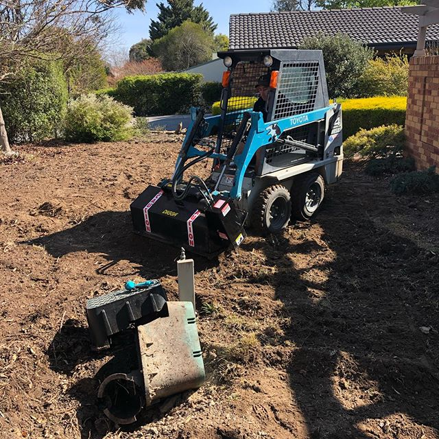 Husky got a new toy. Rotary hoe from @digga.aus to make turning this front yards neglected soil. Add some compost and fertiliser and ready for new plants #designbuildgrow @landcultureau