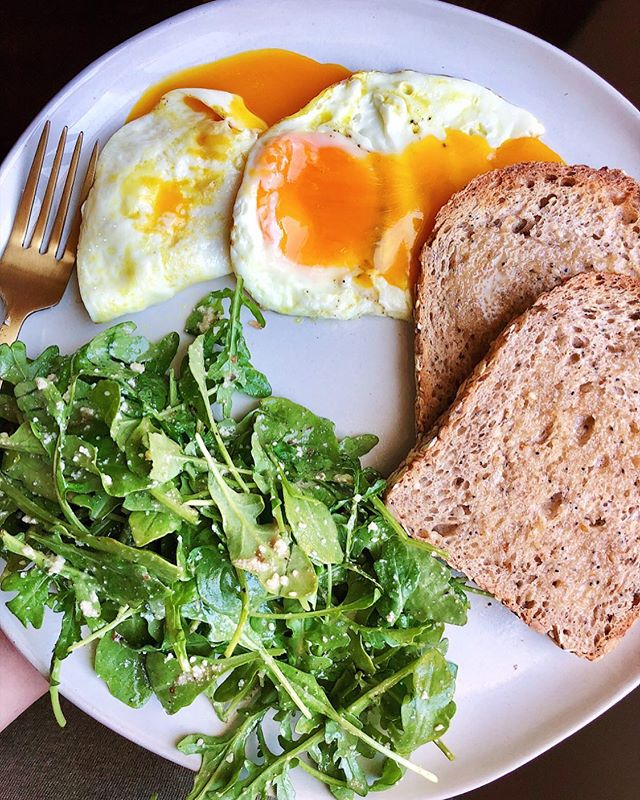 Been a second since I've shared a good plate of 🍳. Two @vitalfarms eggs cooked in avocado oil, over easy, two slices of @erewhonmarket 36 hour fermented sourdough with @vitalfarms butter (the best of the best), and @organicgirl arugula tossed in parm + @organicville balsamic dressing. Hope y'all had a good weekend 💕 Even though I'm taking lotsa time off of here these days, I'm still sending you all the love!
