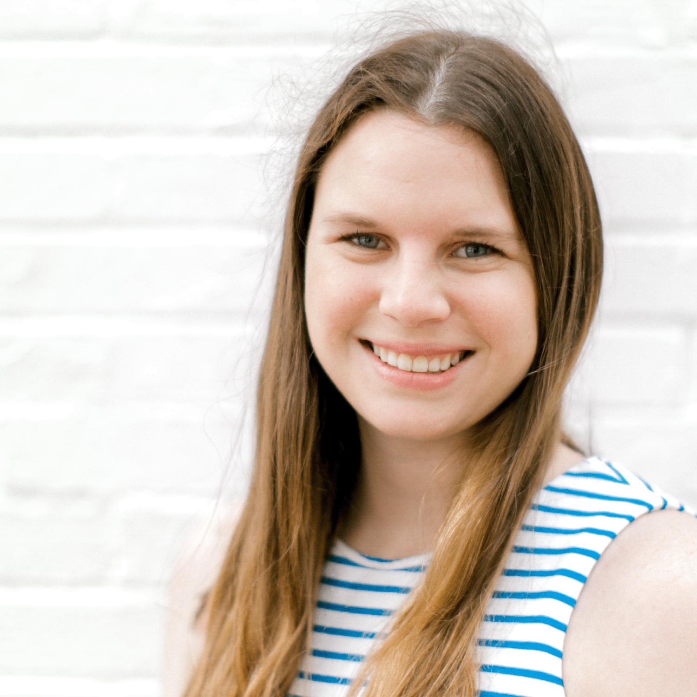 Jenny Suneson of Confetti Social - Guest on The Burnout-Proof Your Biz Podcast with Chelsea B Foster | www.burnoutproofyourbiz.com