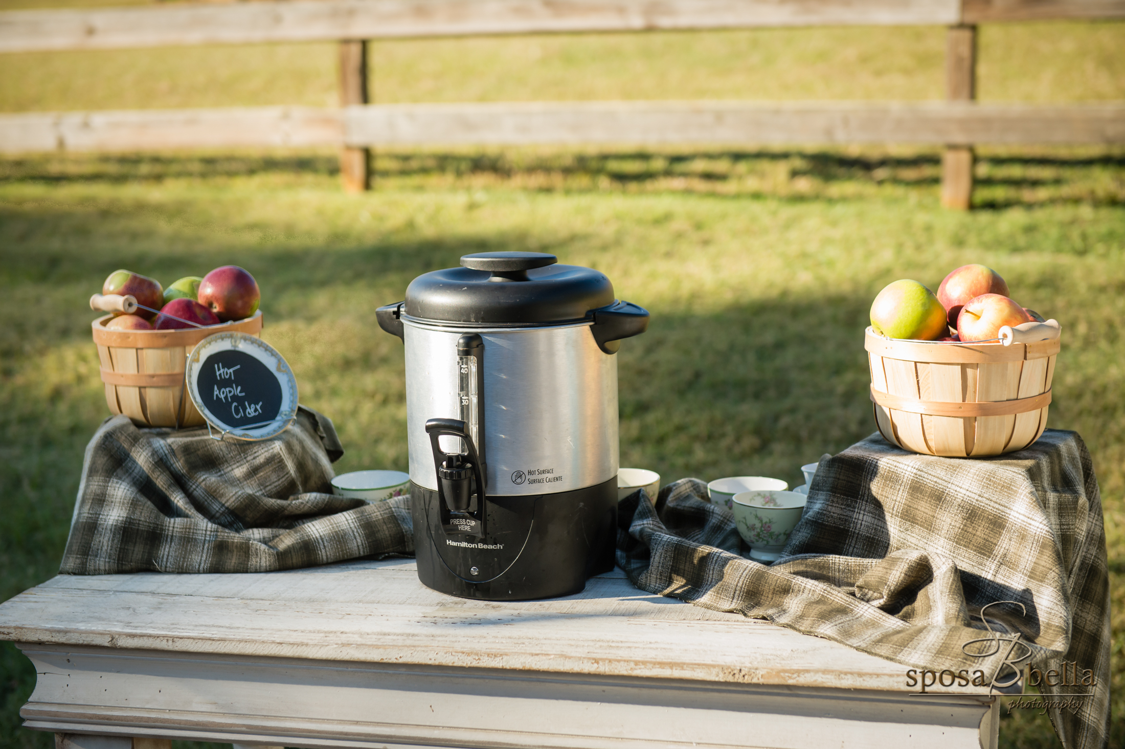 What is a Fall day without Hot Apple Cider! We love that Ashley & Josh had this preceremony delight to help keep guests warm.