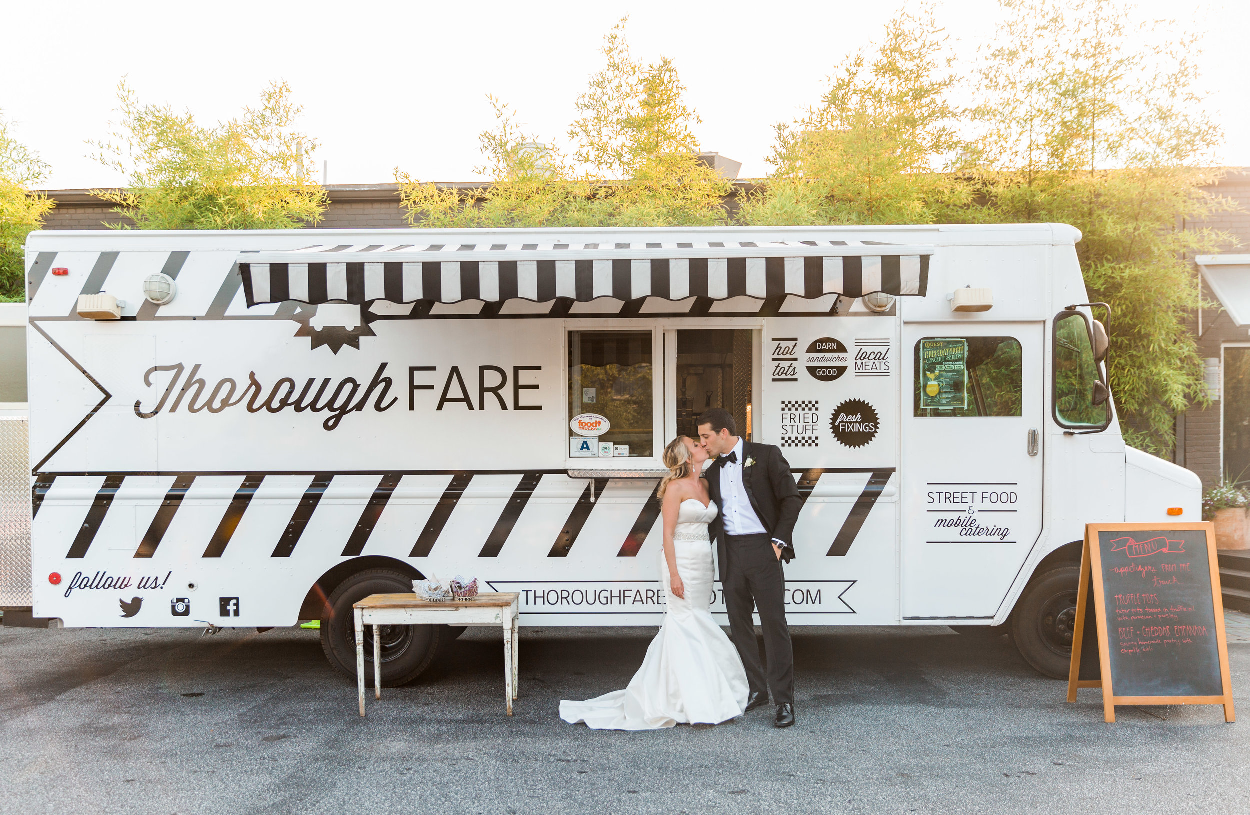 Having a food truck at your wedding is a one of a kind experience! Thorough Fare provided decious items for the cocktail hour & dinner.