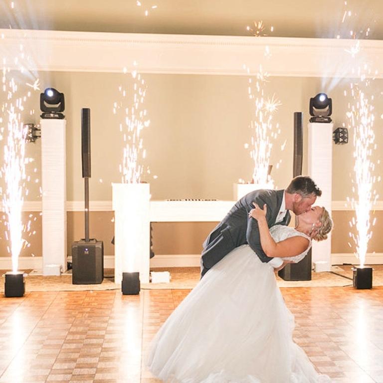 Spark+Fountain+First+Dance2.jpg