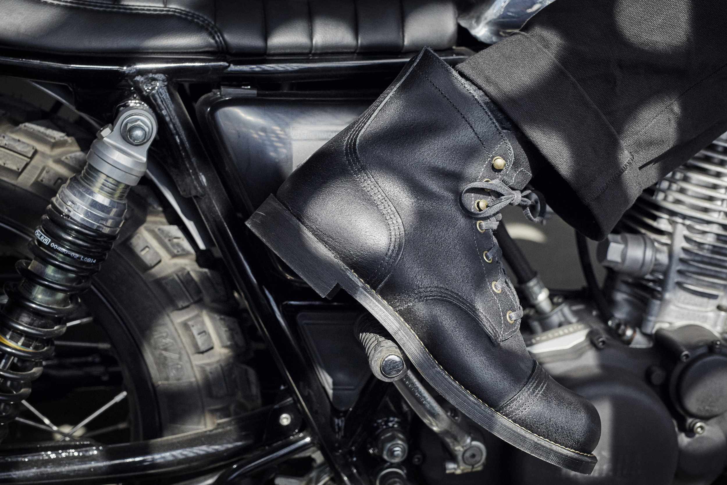 In 2015 we collaborated with Red Wing Heritage on the design of a limited edition Wrenchmonkees Iron Ranger no. 4545, which merge Scandinavian functionality and American craftsmanship. The boot got a clean and simple design and is equipped with brass eyelets and speed hooks reflecting the brass details that are often seen on the Wrenchmonkees bikes.