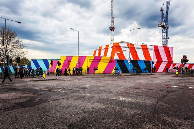 """@maserart awesome installation at The Standard Music Venue - part of his """"Interrupting Landscapes"""" series & Paint Your London festival. Support by Tom @welikestatic, @hatch_art & @madebymolu - photo courtesy of @hookedblog #giveartistsspace #streetart #mural #streetartlondon #woodstreetwalls #e17 #walthamstow"""