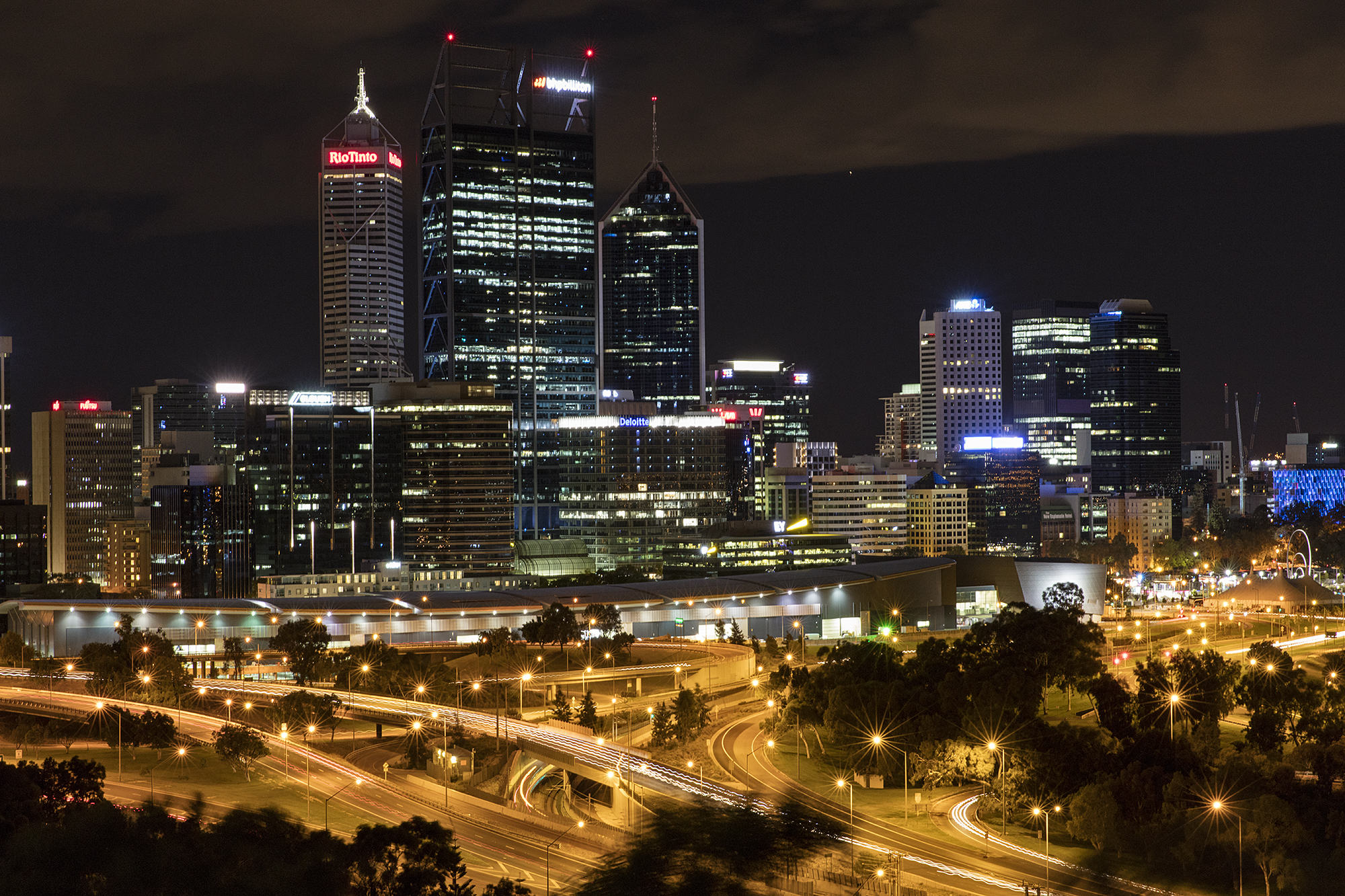 Perth_skyline_from_Kings_Park.jpg