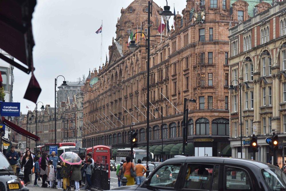 Harrods, Knightsbridge, London, U.K. Image©thingstodot.com