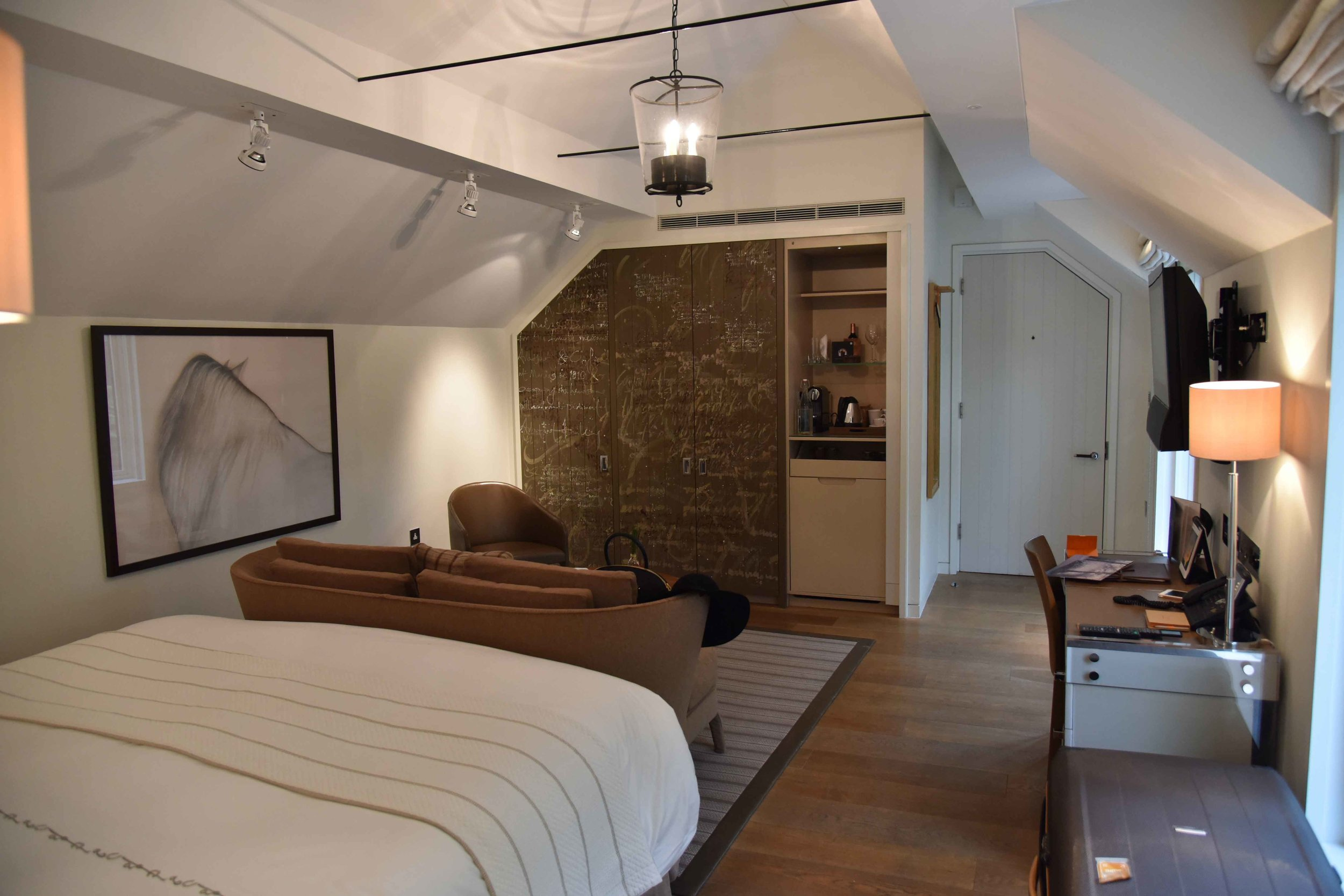 Stable Deluxe Rooms, Coworth Park Hotel & Spa, Ascot, UK. Image©thingstodot.com