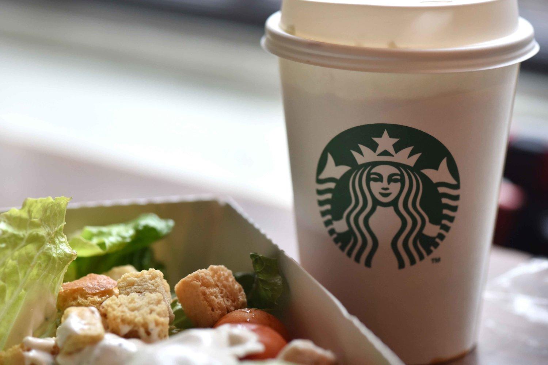 Starbucks, Royal Mile,Old Town, Edinburgh, Scotland. Image©thingstodot.com