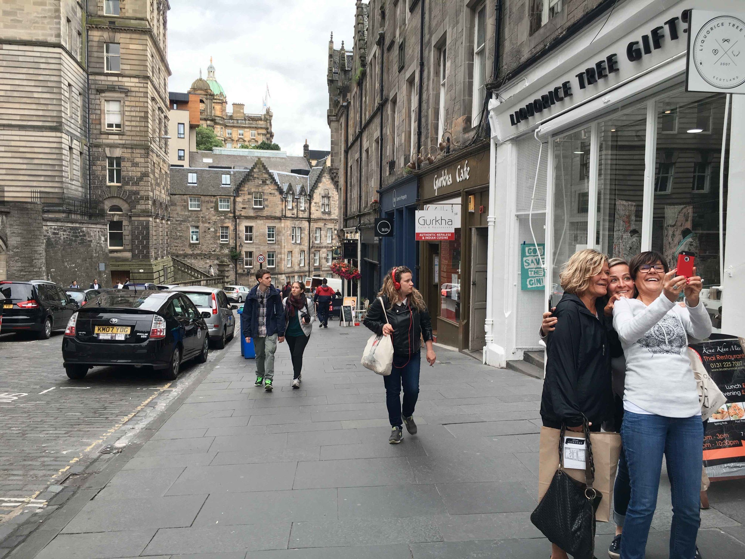 Royal Mile, Edinburgh, Scotland. Image©thingstodot.com