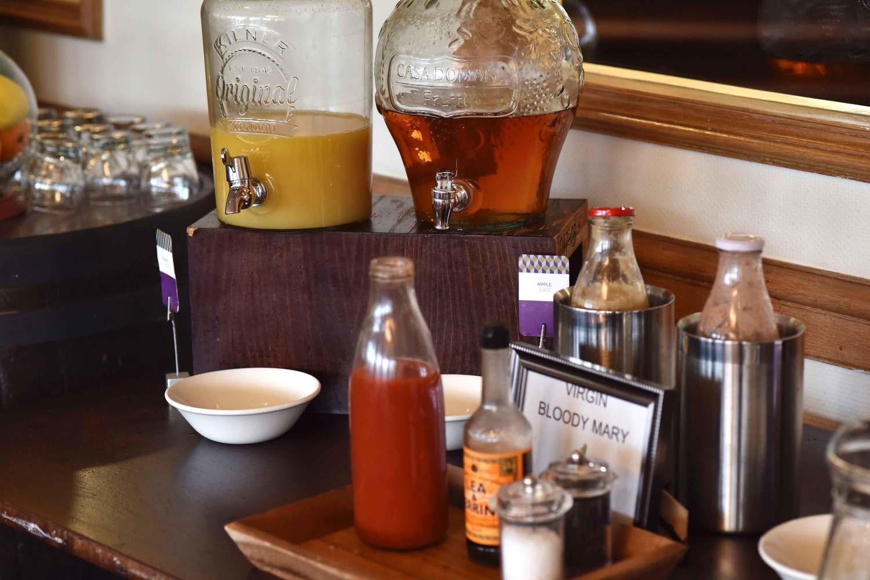 Juice counter, breakfast buffet, Mercure hotel, Inverness, Scotland. Image©thingstodot.com