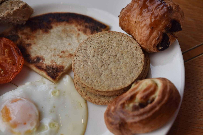 Fried eggs, breakfast buffet, Mercure hotel, Inverness, Scotland. Image©thingstodot.com
