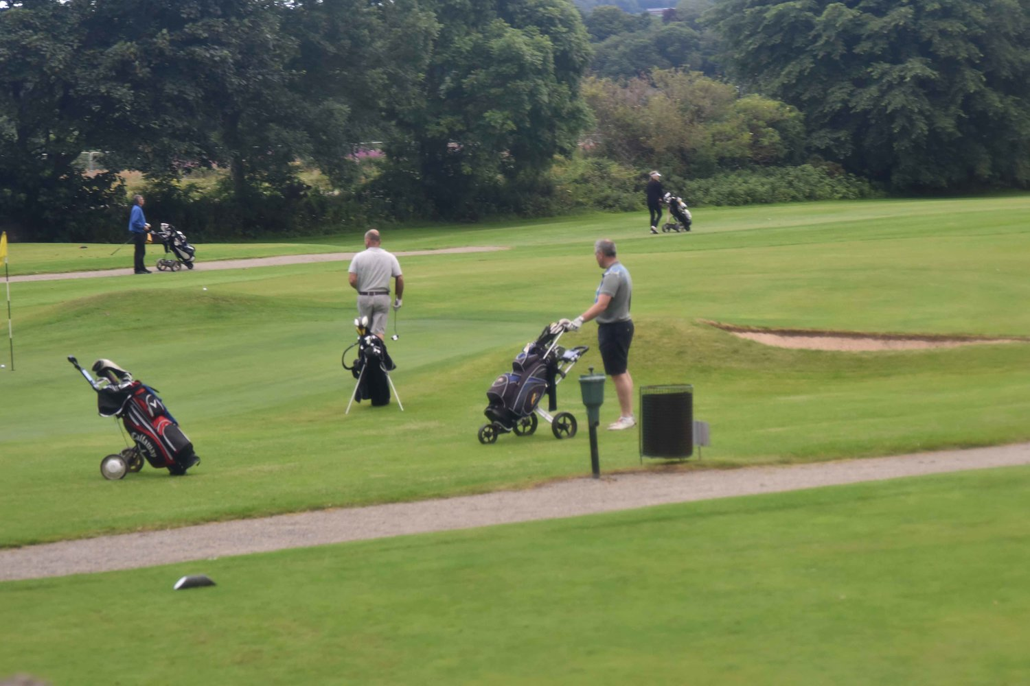 Golf course, Scottish highlands, Scotland, drive from Inverness to Loch Ness. Image©thingstodot.com