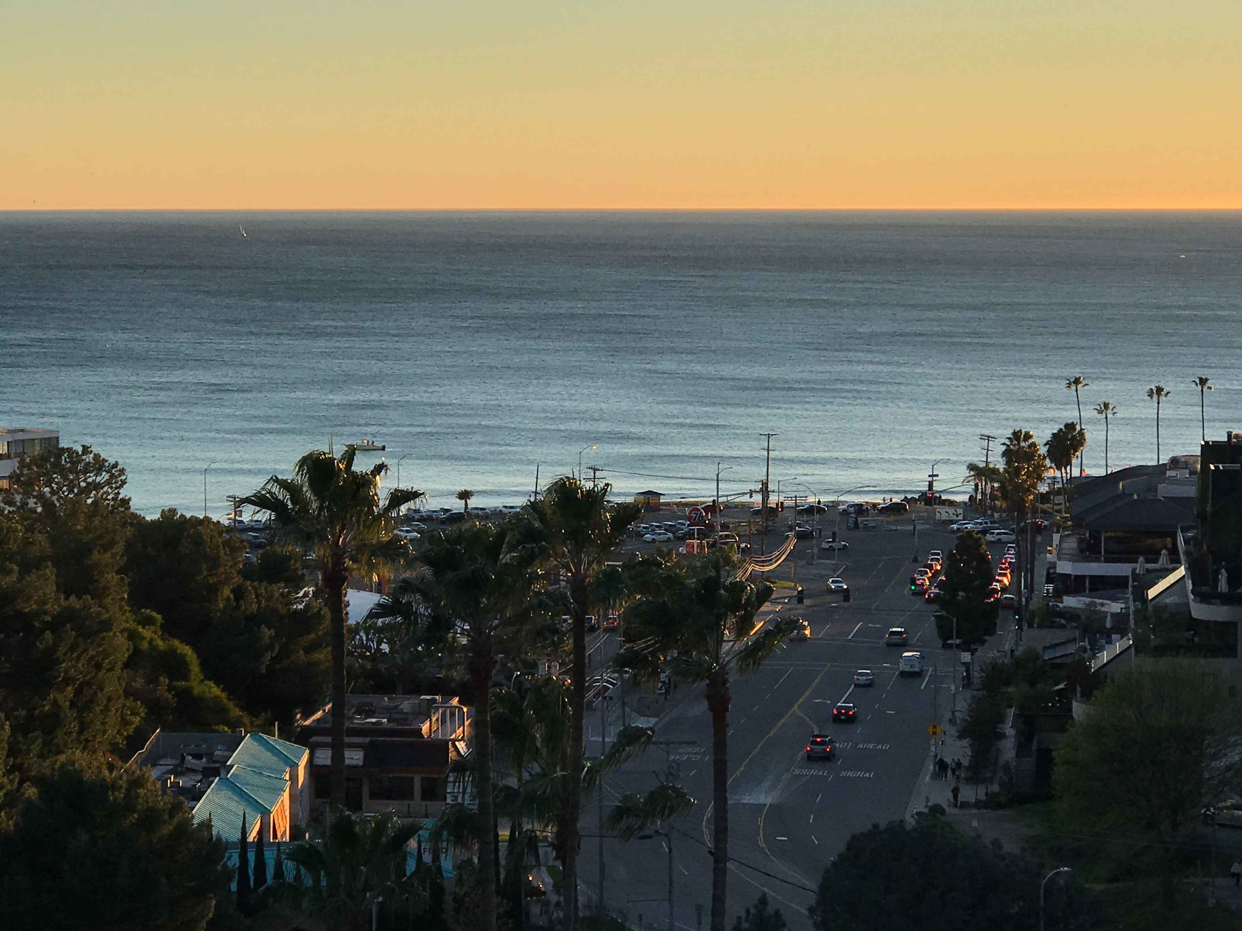 Pacific Coast Highway Beach, sunset, Pacific Palisades, CA. Image©thingstodot.com