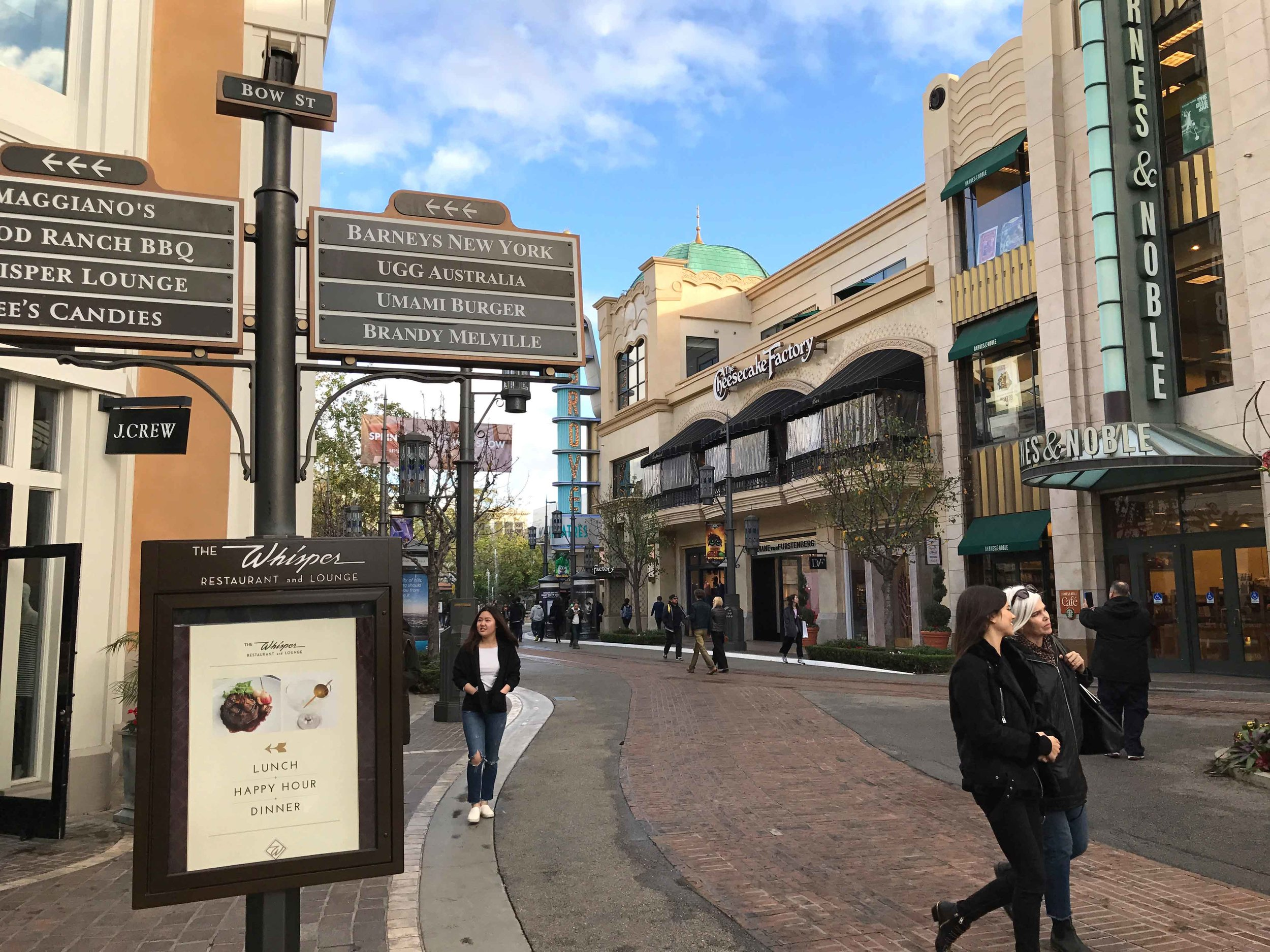 The Grove, Los Angeles. Image©thingstodot.com