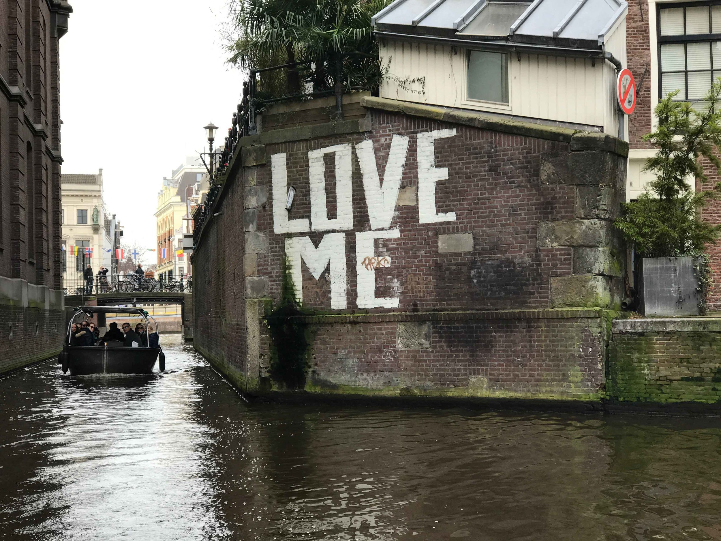 The first wall of Amsterdam. Image©thingstodot.com