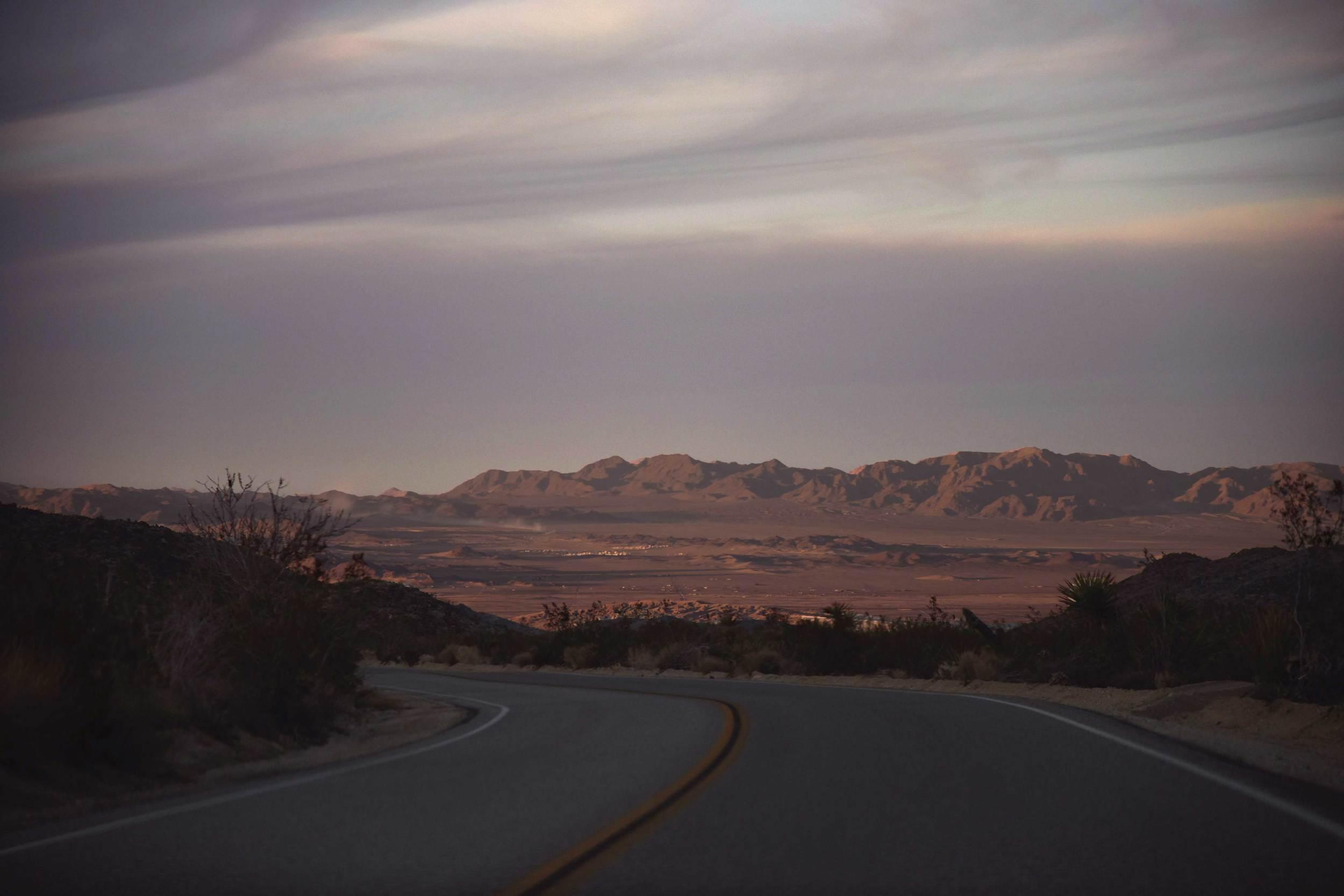 Sunset drive,Joshua Tree National Park, Southern California, USA. Image©thingstodot.com
