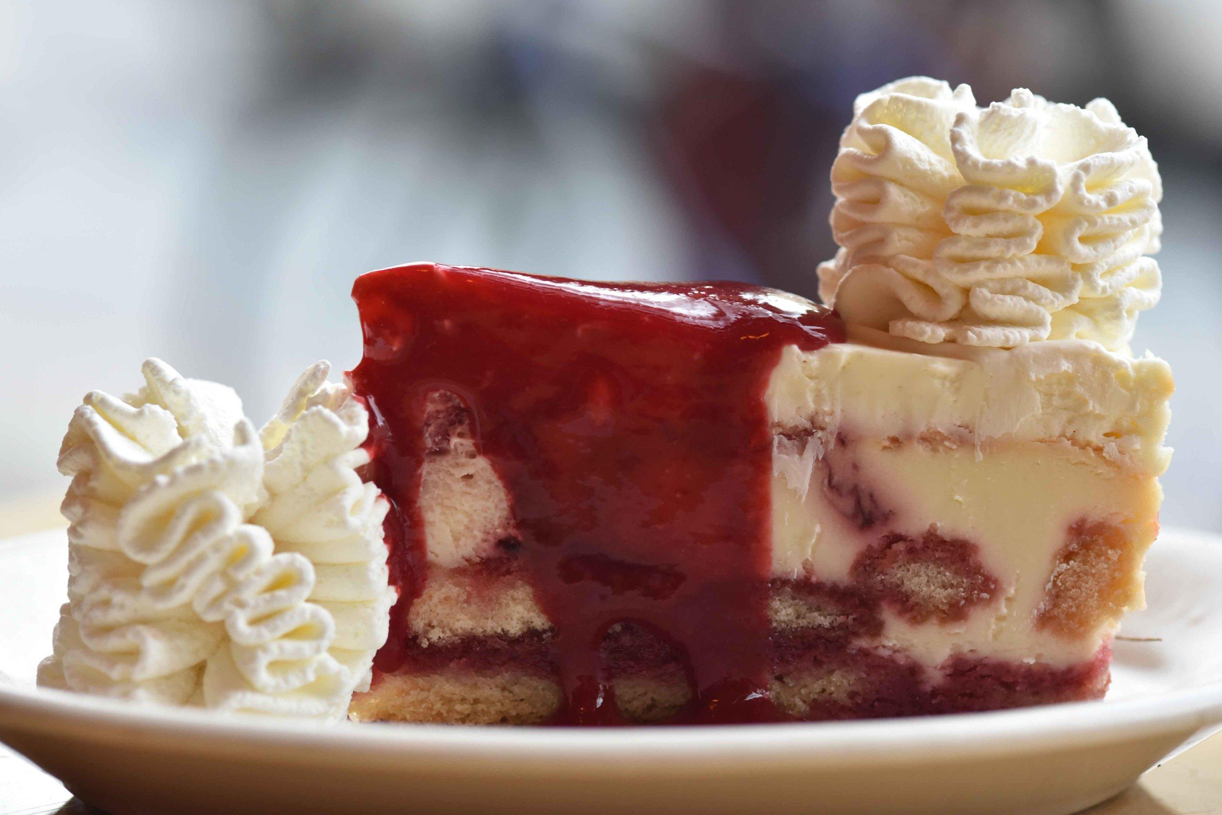 The Cheesecake Factory, Pasadena, Los Angeles. Image©thingstodot.com