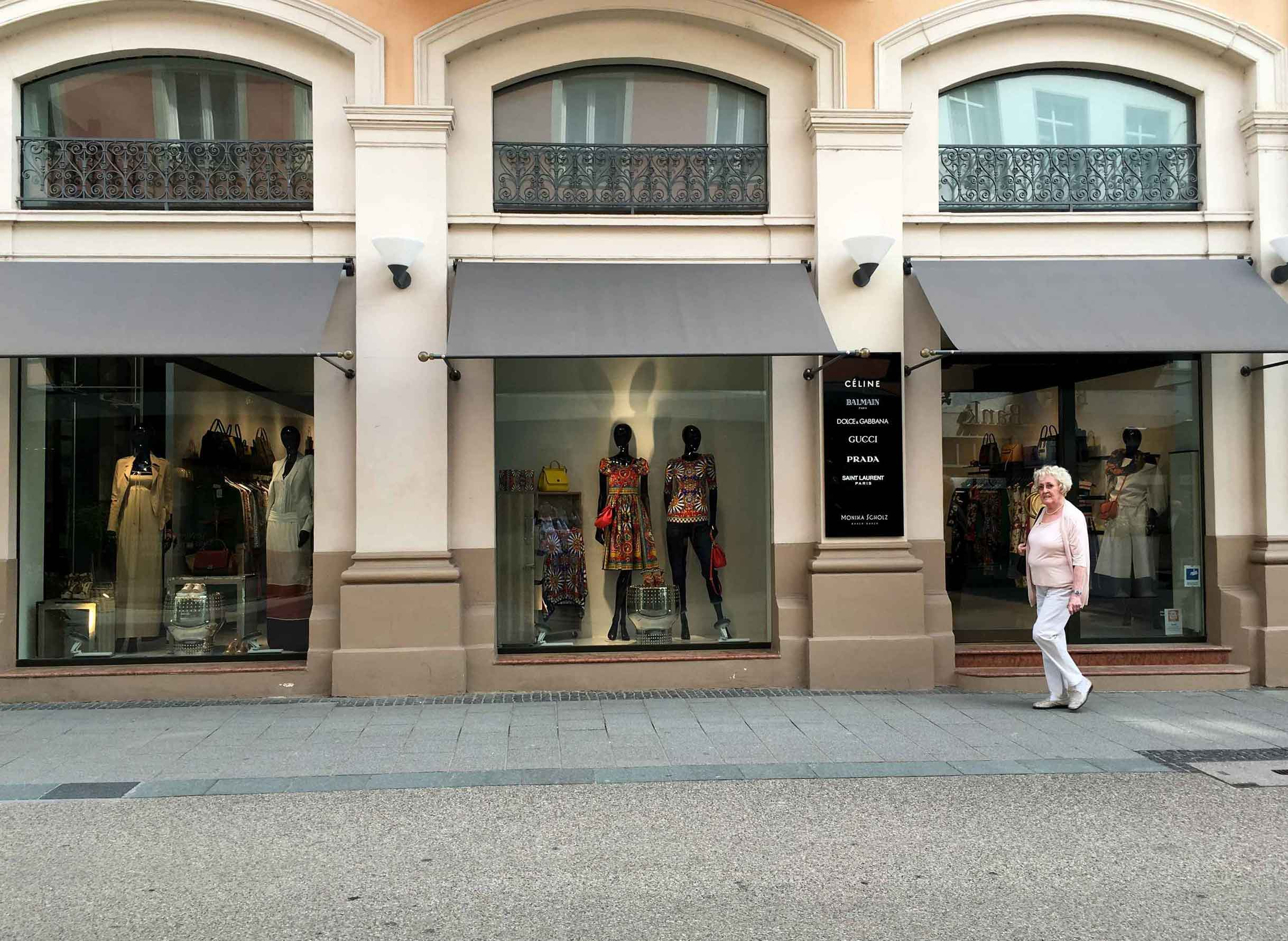Shopping,Baden Baden, Germany. Image©thingstodot.com